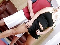 Slutty older lady widen legs to get deeply penetrated